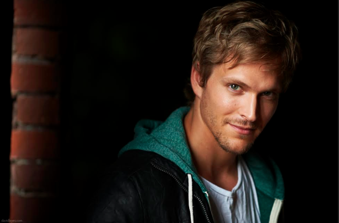 JON COR AS HODGE STARKWEATHER IN ABC FAMILY'S 'SHADOWHUNTERS'!
